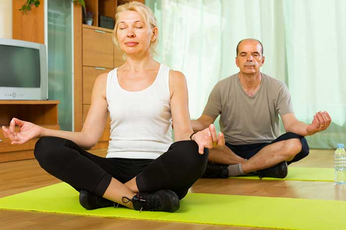 seniors-meditating-1