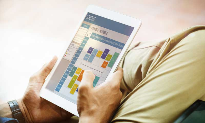 man-scheduling-tablet2