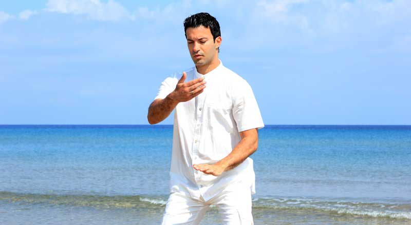 man-tai-chi-beach2