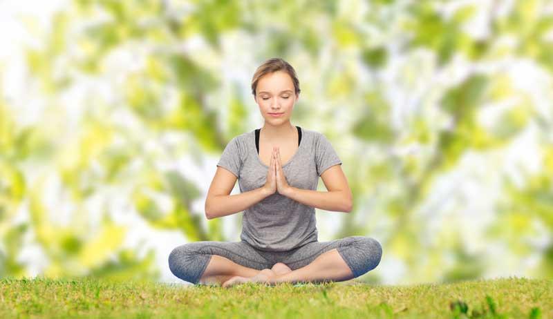 woman-medit-lawn2