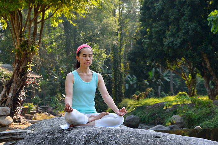yoga-in-woods-1.2