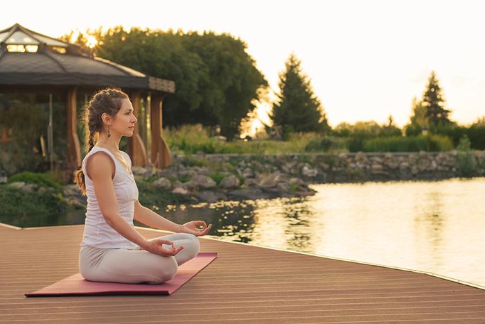 yoga-near-lake1.2
