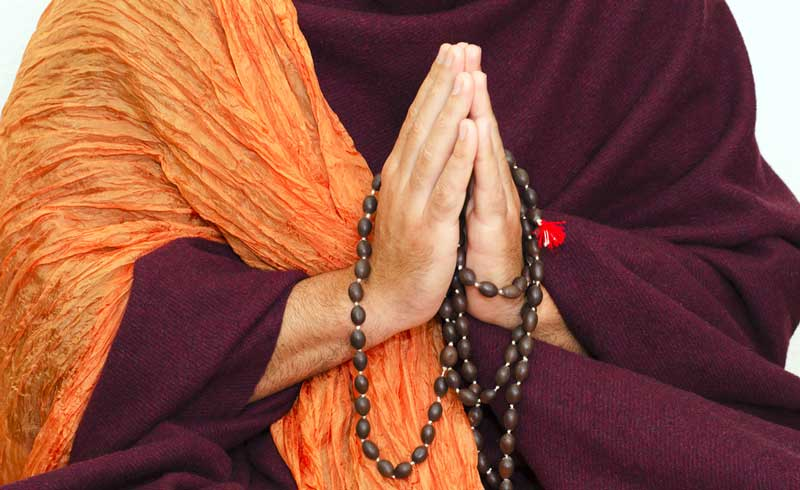 monk-with-beads2