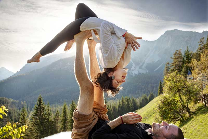 acro-yoga-o