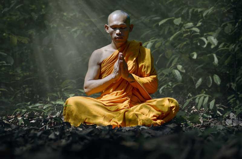 monk-meditating-o